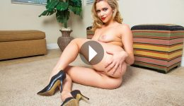Mia Malkova VR porn video